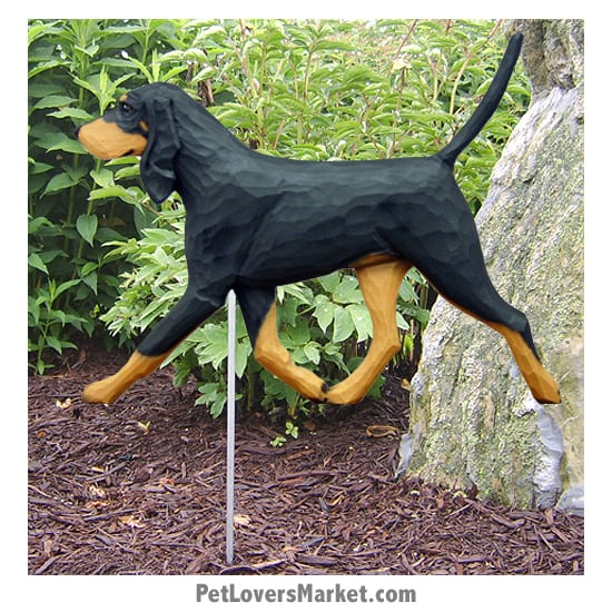 Coonhound Dog Statue (Black and Tan). Garden Statues and Dog Statues. Coonhound Gifts.